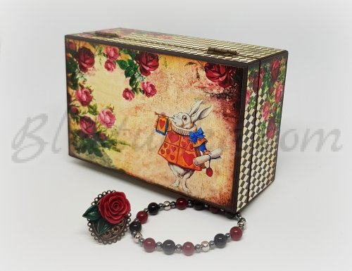 A wooden  jewellery box