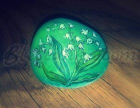 "Decorated Stone ""Lily of the valley"""