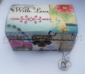 "Small wooden box for jewels ""Muse"""