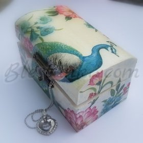 "Small wooden jewellery box ""Peacock"""
