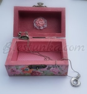 "Small wooden jewellery box ""Pink"""