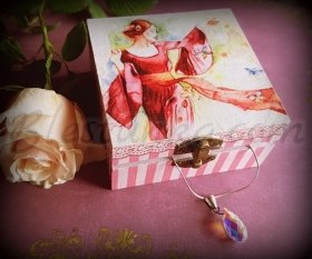"Wooden jewellery box ""Lady in pink"""