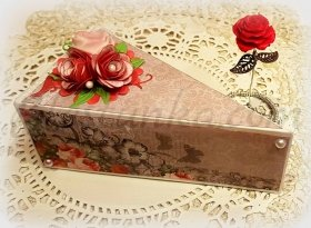 "Box ""Piece of cake"" with a rose"
