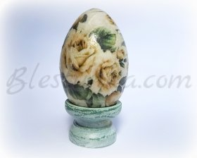 "Decorative wooden egg ""Yellow roses"""