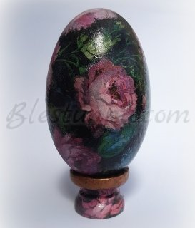 "Decorative ceramic egg ""Flowers"""