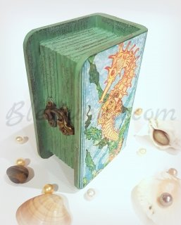 "Wooden jewellery box ""Seahorse"""