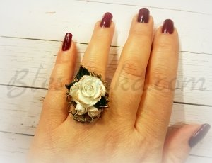 "Ring ""White rose"""