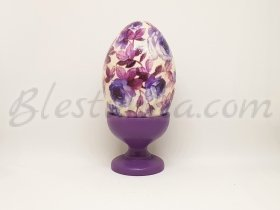"Decorative wooden egg ""Violet roses"""