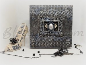 "A jewellery box ""Beautiful darkness"""