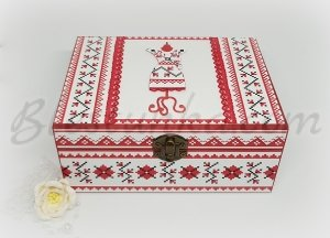 "Wooden treasure box ""Bulgarian embroidery"""