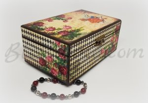 "A wooden  jewellery box ""Wonderworld"""