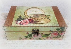 "Wooden tea box ""Roses"""
