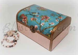 "A wooden jewellery box ""Little bird"""